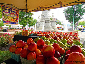 POSTEaston-Farmers-Market-press-photo