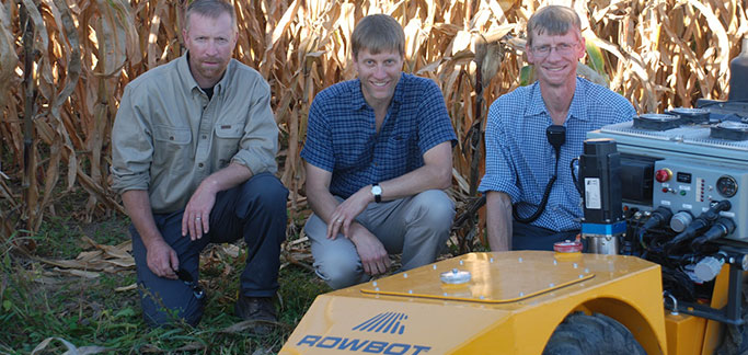 Enterprising Brothers Build 'Rowbot-ic' Delivery System to Stem Nitrogen Waste In Corn Production
