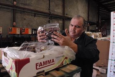 Food Forward's Wholesale Recovery Program Manager, Luis Yepiz, insp
