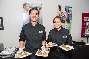 Jonathan Quispe and Elizabeth Castro won first place in the 2015 Orange County Cooking Up Change competition with their Mexican street tacos and motherland esquite. (photo courtesy Linda Franks/Kid Healthy)